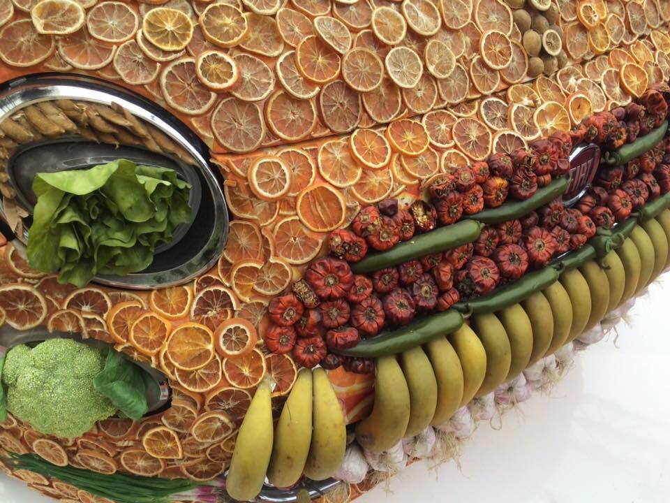 Expo 2015, la Fiat 500 è ricoperta di frutta!