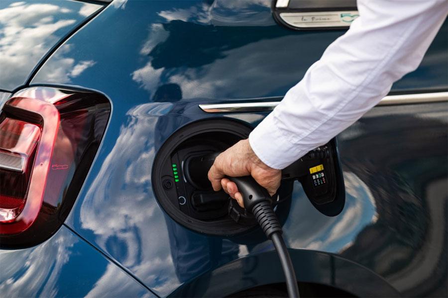 Fattori che influenzano l'autonomia di guida su un'auto elettrica