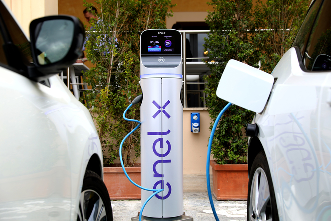 Come funzionano le auto elettrificate e quanti tipi esistono
