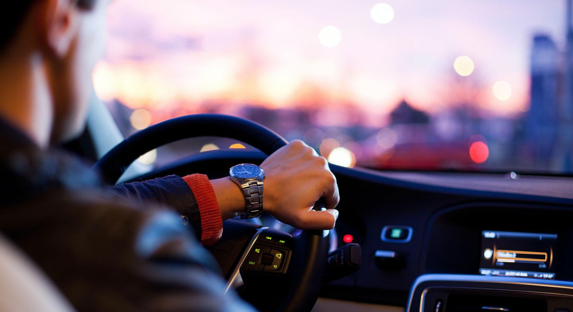 Perché le auto elettriche sono più sicure da usare?